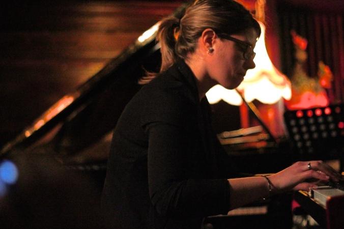 Emie Roussel trio 056